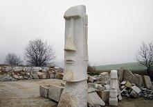 statuetki z kamienia