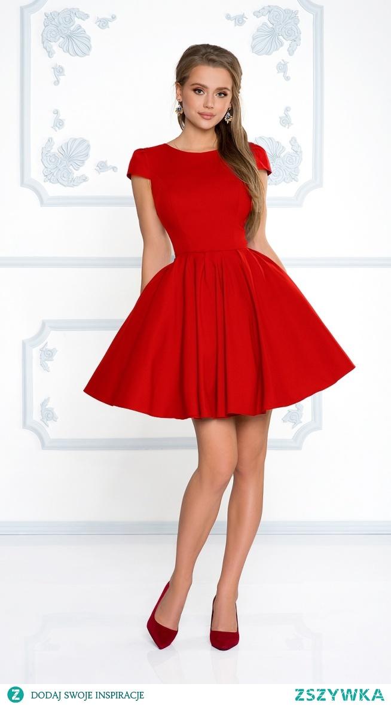 Kliknij w zdjęcie by przejść do produktu sukienkowo.com NATALIA - Rozkloszowana klasyczna sukienka z rękawkiem czerwona