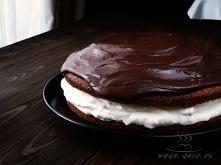 biszkopt z masą imbirową i polewą czekoladową