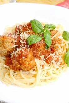 Spaghetti z pulpecikami w p...