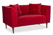 Stylowa czerwona sofa. Spra...