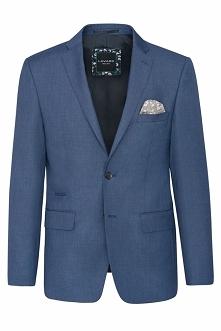 Niebieski garnitur w melanżowy deseń. Wykonany w 40% z wysokiej jakości wełny. Domieszki syntetycznych włókien korzystnie wpływają na komfort użytkowania. Marynarka posiada wąsk...