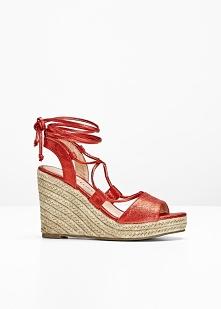 Sandały na koturnie bonprix czerwony metaliczny