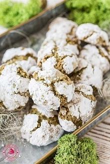 Migdałowe ciasteczka amaretti z matcha - Wypieki Beaty