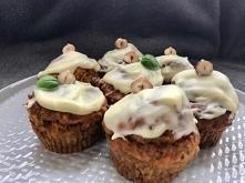 Marchewkowe muffiny z białą...