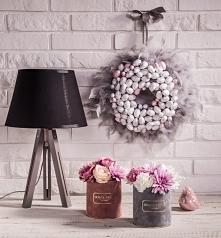 Nasz wielkanocny wianek oraz flower boxy wykonane ze sztucznych kwiatów.  Wsz...