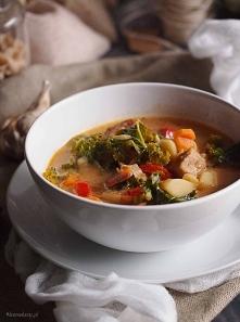 Zupa mięsna z jarmużem