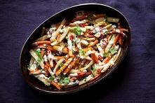 Frytki z warzyw z sosem czo...