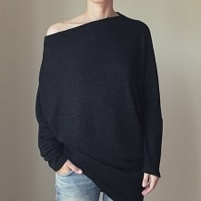 Asymetryczny Sweterek trapez czarny