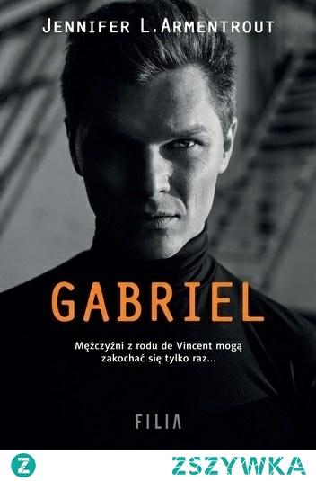 """""""Gabriel"""" Nicolette Besson nie sądziła, że kiedykolwiek wróci do posiadłości de Vincentów w Luizjanie, gdzie serce niegdyś złamał jej sam Gabriel de Vincent. Ucieczka przed wspomnieniami, a tym bardziej przed przystojnym Gabem jest znacznie trudniejsza, niż Nikki zakładała. Zwłaszcza, że wydaje się on zdeterminowany, by przebywać w jej towarzystwie tak często, jak to tylko możliwe.  Gabriela przez lata dręczyły wyrzuty sumienia z powodu tego, jak potraktował Nikki. Pragnął jej, ale nie było to właściwe. Nagle wszystko się zmieniło. Gabe nie ma już przed sobą dobrze mu znanej dziewczyny – widzi teraz bystrą, utalentowaną i nieziemsko piękną kobietę… którą w dodatku ktoś prześladuje. Młody de Vincent zrobi wszystko, żeby ją chronić i powstrzymać wiszącą nad rodem klątwę, nim ta ponownie uderzy."""