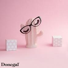 Zgubiłyście opakowanie na sztuczne rzęsy? Żaden problem - możecie je nakleić na stare okulary i w ten sposób przechowywać niezniszczone.   Beauty by Donegal