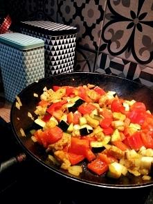 A jutro na obiad kurczak curry z warzywami i makaronem :) smacznego