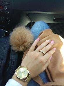 zegarek + pierścionek + paznokcie  :-)