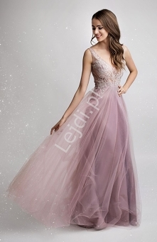 Odważna suknia wieczorowa w...