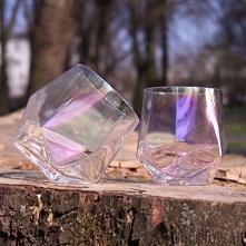 Opalizujące szklanki diamen...