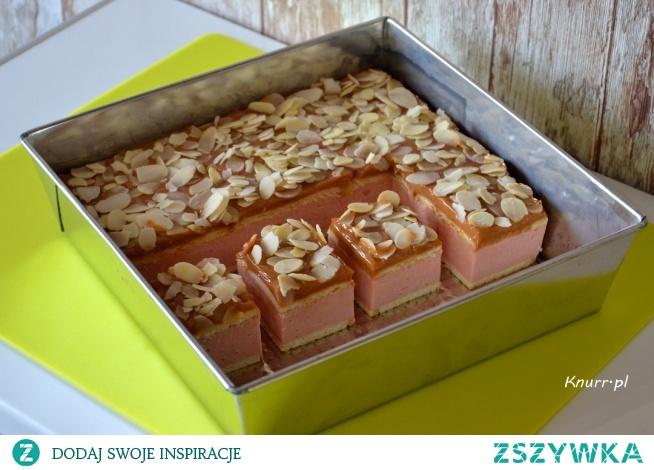 Przepyszne ciasto bez pieczenia. Znika z blachy w mgnieniu oka!  Zrób, nie pożałujesz :)