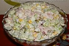 Chrupiąca sałatka z selerem naciowym