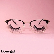 Jeżeli za długie rzęsy przeszkadzają Wam w noszeniu okularów ... załóżcie rzęsy na okulary :0  Beauty by Donegal