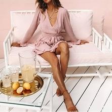 Lekka, różowa sukienka.. znajdź swój styl! Kliknij w zdjęcie i sprawdź gdzie ją kupić :)