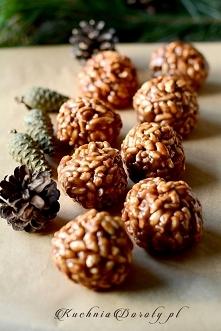 Szyszki z Ryżu Preparowanego Składniki: ok. 300 g cukierków krówek (ciągnącyc...