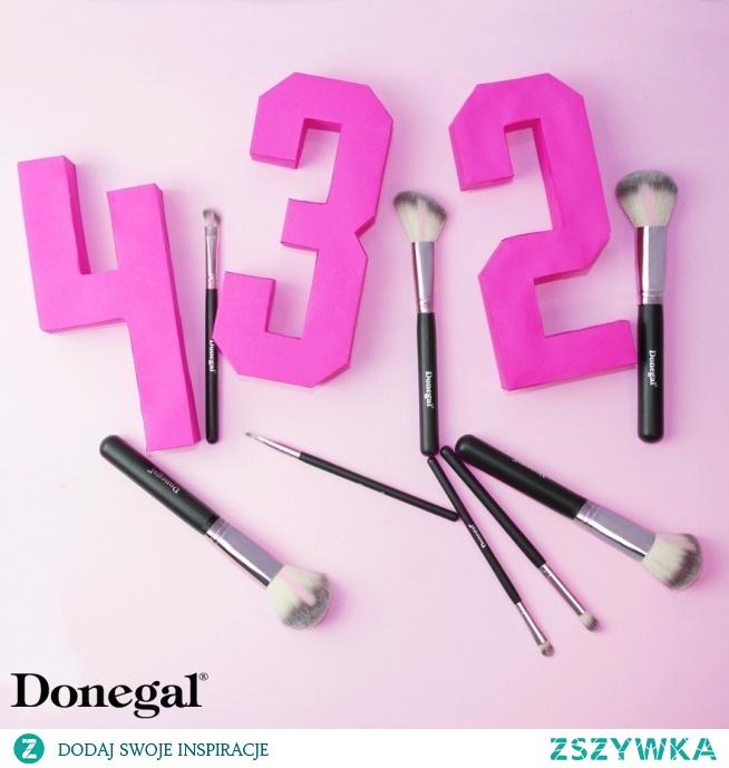 Ile pędzli macie w swojej kosmetyczce?   LOVE PINK by Donegal