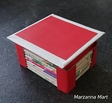 Pudełko z papieru w stylu j...