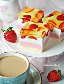 Kolorowe Ciasto z Truskawkami Serowe z Galaretką. Przepis po kliknięciu w zdjęcie.