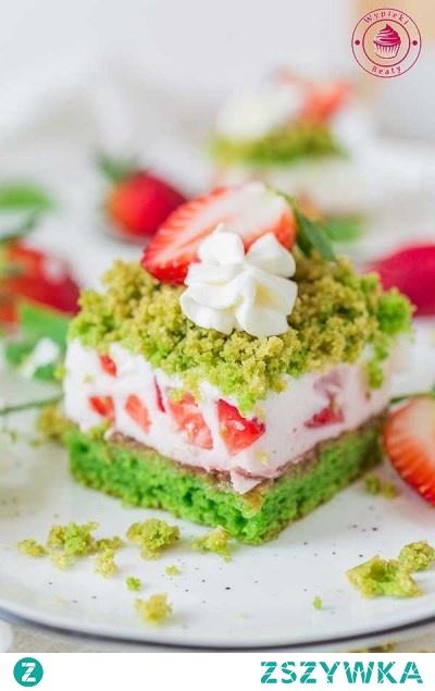Lekkie ciasto szpinakowe z jogurtem i truskawkami -  Wypieki Beaty