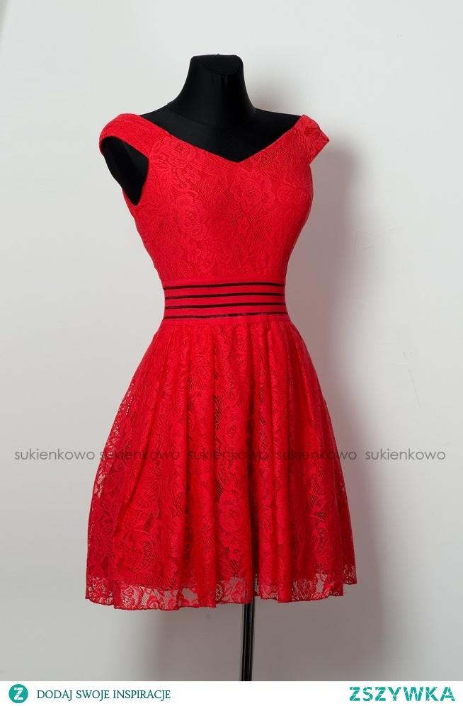 KLIKNIJ W ZDJECIE BY PRZEJŚĆ DO PRODUKTU SUKIENKOWO.COM MARINE - Rozkloszowana koktajlowa sukienka z dekoltem czerwona