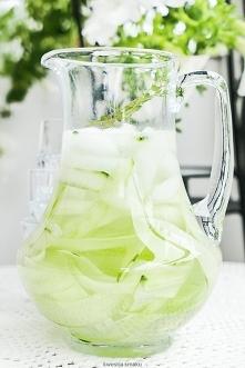 woda z ogórkiem, limonką i miętą