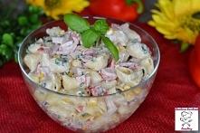 Makaronowa sałatka z papryką i szynką konserwową