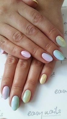 Manicure hybrydowy w Warsza...
