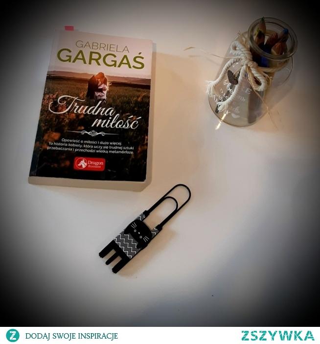 Książka Gabrieli Gargaś jest najlepszym przykładem tego, że mamy w Polsce doskonałych pisarzy, którzy potrafią zaskoczyć swoim warsztatem i ciekawą kreacją postaci.