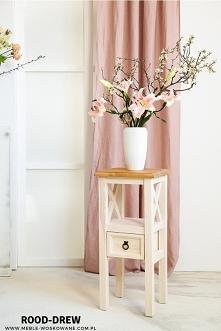 Stolik drewniany, woskowany,