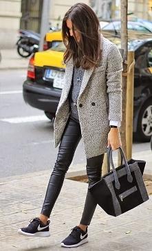 Uwielbiam skórzane spodnie!...