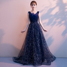 1d9aa72638 Piękne Granatowe Sukienki Wieczorowe 2019 Princessa V-Szyja Cekiny  Rhinestone.
