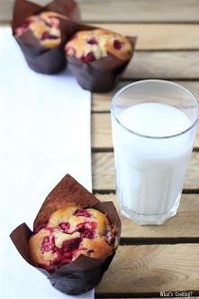 Waniliowe muffiny z malinami