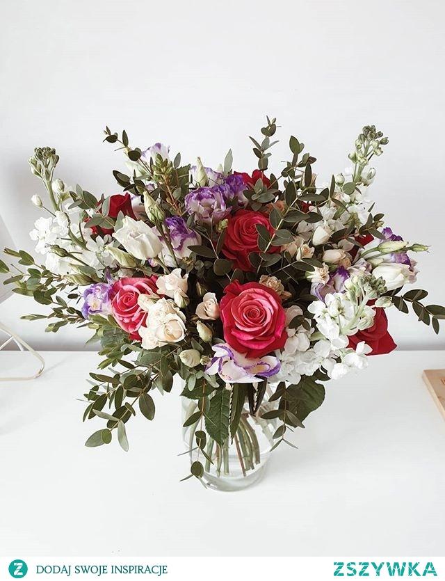 Najpiękniejsze kwiaty na Dzień Mamy. Niech każda Mama będzie uśmiechnięta :) zapraszamy na e-kwiaty.pl