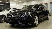 4matic to specjalny napęd montowany w samochodach Mercedesa. Zwiększa bezpieczeństwo, a jednocześnie poprawia moc i przyśpieszenie.