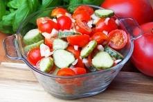 Szybka surówka z pomidorkam...