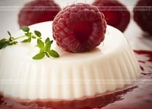 Słodki sos malinowy do deserów
