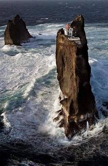 Latarnia Thridrangar, Islan...