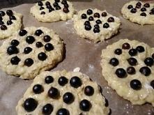 Ciasteczka owsiane z porzeczkami :)