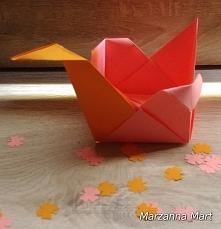 łabędź wykonany metodą origami