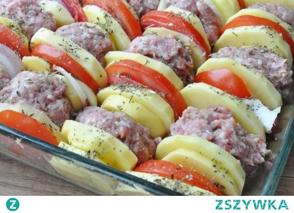 Kotleciki mielone zapiekane z ziemniakami pod pomidorową pierzynką