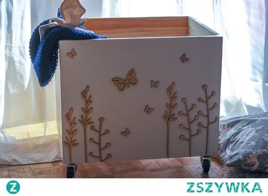 Duża skrzynia na zabawki motyle