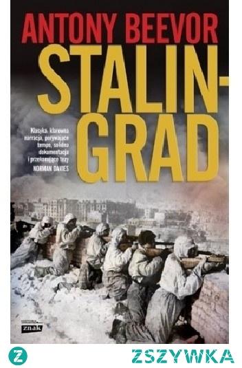 Pełen dramatyzmu, wciągający i trzymający w napięciu obraz najdłuższej bitwy II wojny światowej.   Na kartach książki Beevora bohaterstwo i poświęcenie zwykłych żołnierzy splata się z bezwzględnością nazistowskich i komunistycznych decydentów. Stalingrad pozwala spojrzeć na ówczesne wydarzenia z wielu perspektyw: przeżywających rozterki dowódców, doświadczających potwornej tragedii mieszkańców miasta, skazanych na zagładę niemieckich żołnierzy. Autor w pasjonujący sposób maluje zarówno manewry milionowych armii przeprowadzane na ciągnącym się setki kilometrów stepie, jak i klaustrofobiczne obrazy walki wręcz w ruinach miasta. Beevor przytacza nieznane historykom fakty o bitwie i rewiduje wiele narosłych wokół niej mitów, a jednocześnie tworzy barwną opowieść o sensacyjnej fabule, od której nie sposób się oderwać.
