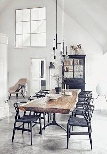 marzy mi się w przyszłości taki stół <3