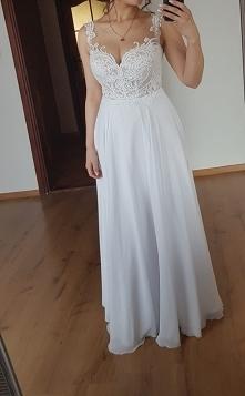 Sprzedam suknie slubna. Kolor biały rozmiar 36/38 uzyta raz stan idealny. cen...