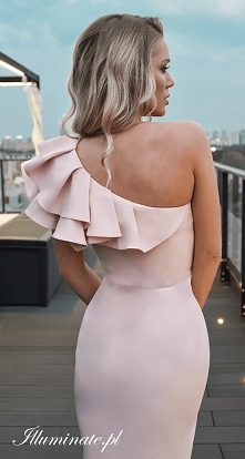 Elegancka sukienka na wesel...